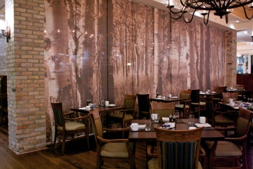 The new motorized partition allows the restaurant to take on a more intimate setting.